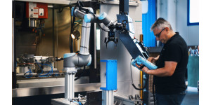 universal robot machines outils